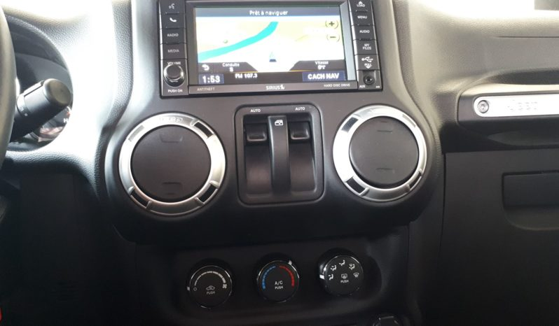 2015 Jeep Wrangler Sahara 4×4 39125 KM (VENDU 29 JUILLET 2019) plein