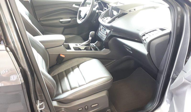 2017 Ford Escape Titanium 4WD 27250 KM (VENDU 12 DÉC 2019) plein