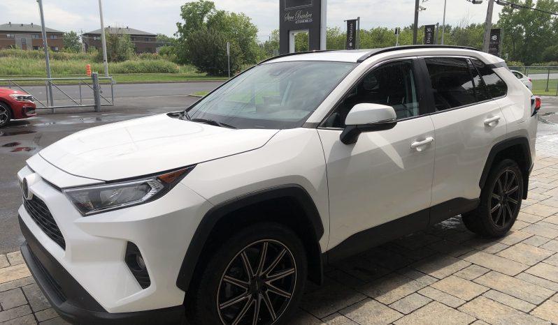 """2020 TOYOTA RAV4 XLE AWD *Toit · CarPlay · Roues 19"""" · 20957 KM* plein"""